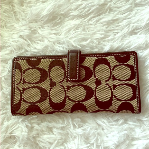 Coach Handbags - Coach Signature Slim Wallet